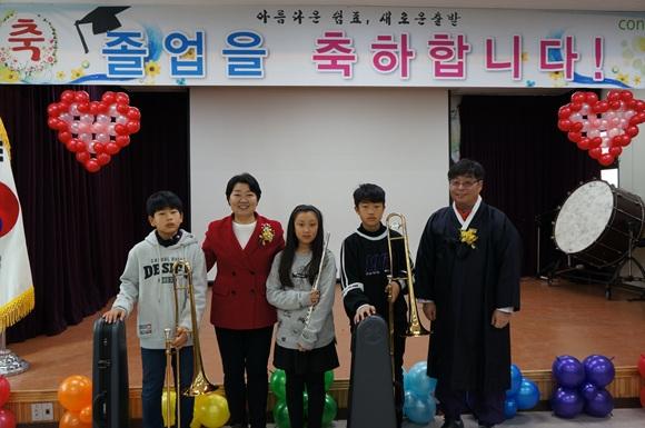 [이천교육지원청 보도자료 0109]대서초, 관악으로 미래를 꿈꾸게 하는 졸업식2.jpg